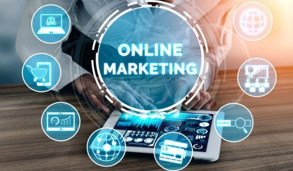 https://marketsite.vn/wp-content/uploads/2021/10/vuot-qua-dai-dich-nho-marketing-online-tong-the-01.jpg
